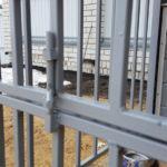 Ворота для частного дома с кирпичными столбами