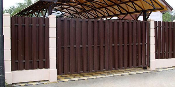 Готовый забор из металлоштакетника с калиткой двухсторонний - 4