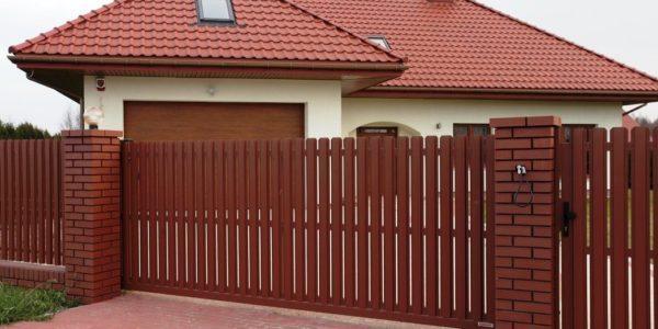 Ворота и забор из евроштакетника - 48