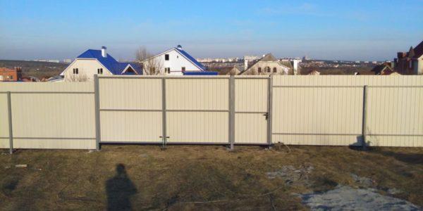 Забор из профлиста в микрорайоне Южный - Воронеж