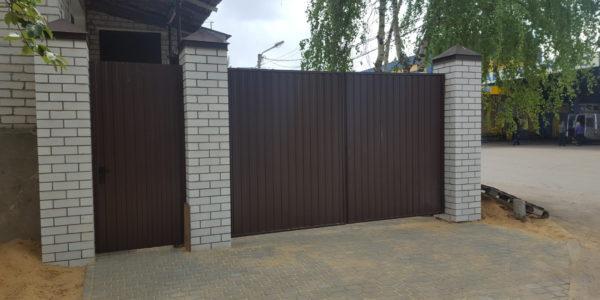 Забор с кирпичными вставками в Бабяково - 2