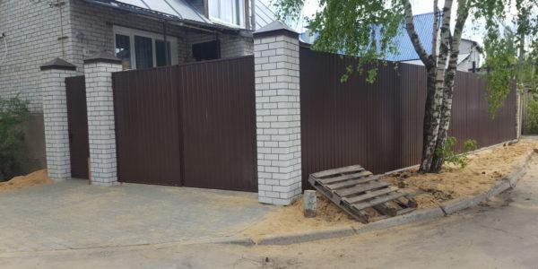 Забор с кирпичными вставками в Бабяково - 3