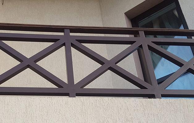 Ограждение для балкона коттеджа