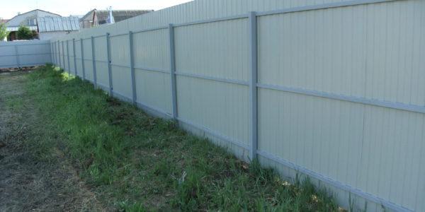 Забор из профлиста изнутри - 17
