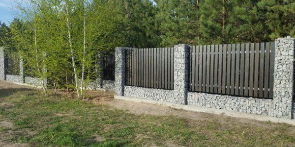 Забор из габионов с деревянными элементами - 14