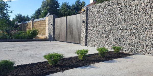 Забор из габионов с деревянными элементами - 3