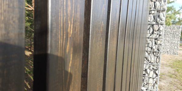 Забор из габионов с деревянными элементами - 19