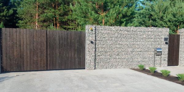 Забор из габионов с деревянными элементами - 16