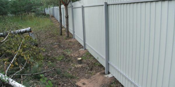 Забор из профлиста между соседями