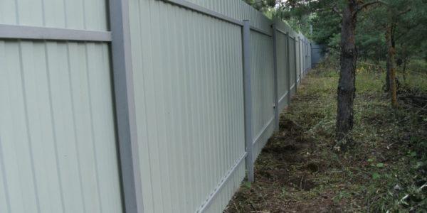 Забор для дачи из профнастила - 22