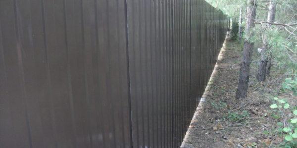 Забор из металлического штакетника П-образного - 4