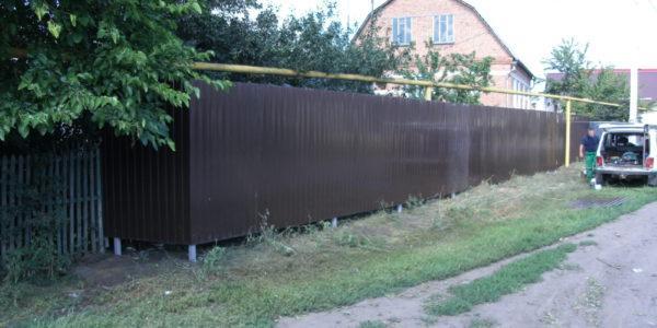 Забор из профнастила ral8017 в Воронеже - 8
