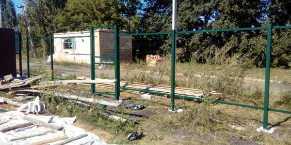 Забор из профнастила в селе Парусное - 10