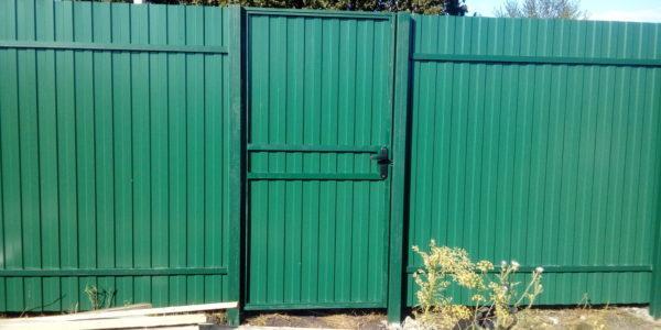 Забор из профнастила в селе Парусное - 13