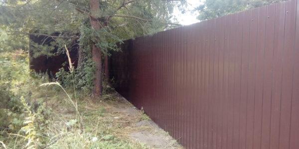 Забор профлист коричневый
