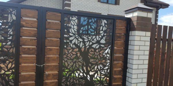 Забор из лиственницы с элементами лазерной резки - 2