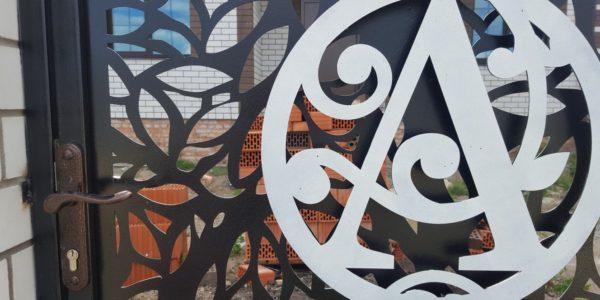 Забор из лиственницы с элементами лазерной резки - 3
