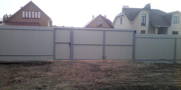 Забор из профлиста изнутри - 19