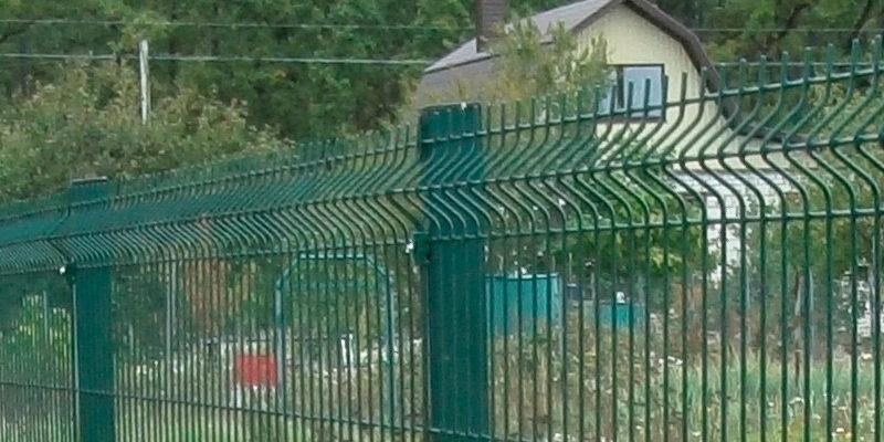 Забор из профнастила и 3Д сетки - 28