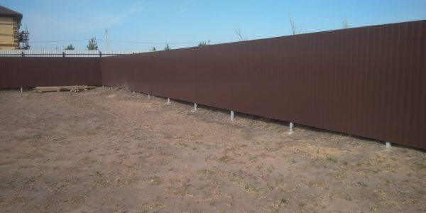 Земельный участок с забором
