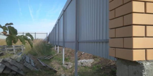 Забор из профнастила оцинкованного