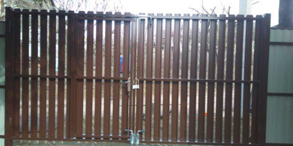 Забор шахматка из металлического штакетника - 3