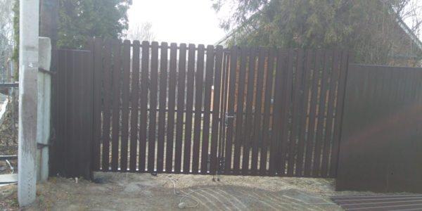 Забор из металлического штакетника - 42