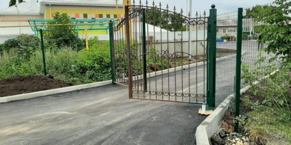 Забор высокий из сетки