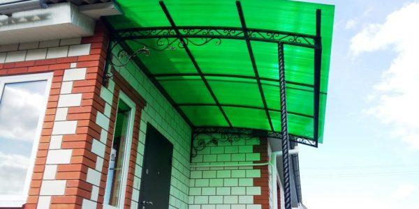 козырек из зеленого поликарбоната