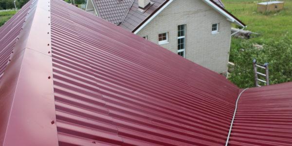сколько стоит покрыть крышу профнастилом цена работы воронеж